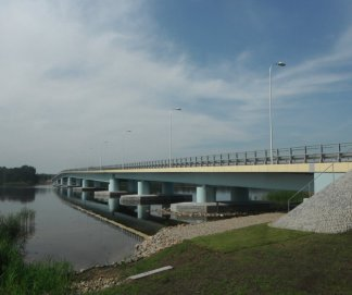 _budowa_mostu_nad_stara_swina_laczacego_wyspy_wolin_i_karsibor_wraz_z_rozbiorka_mostu_piastowskiego_w_swinoujsciu_